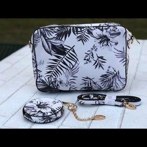 Handbags - Brand new floral and leaf print purse